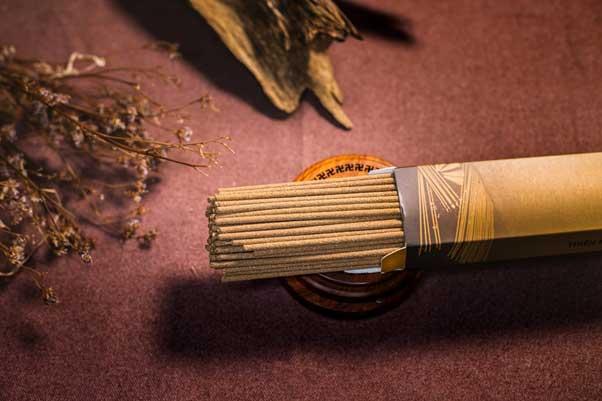 Sử dụng nhang trầm hương giả gây tác hại khôn lường cho sức khỏe