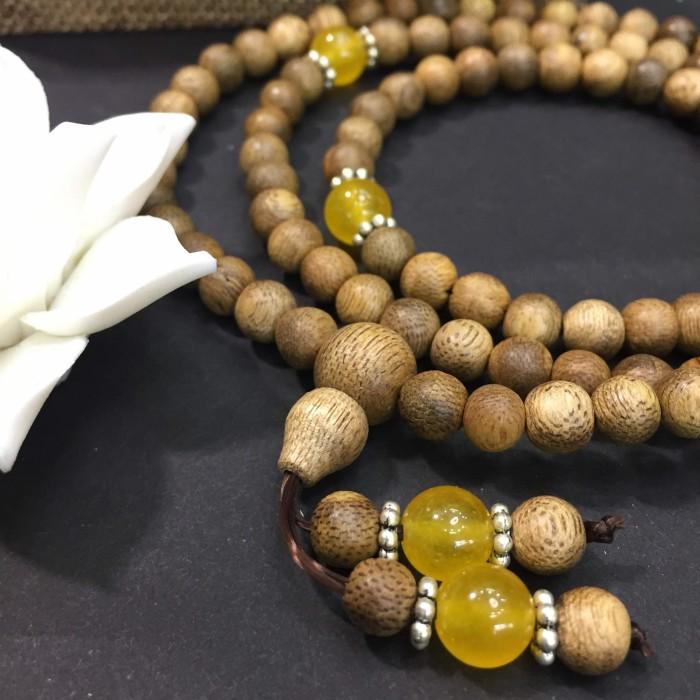 Vòng tay - chuỗi trầm hương 12 năm, cho tay nữ (size tay 14~15.5 cm), dạng hạt tròn: 108 hạt x 6.5 mm, phối đá vàng - 1
