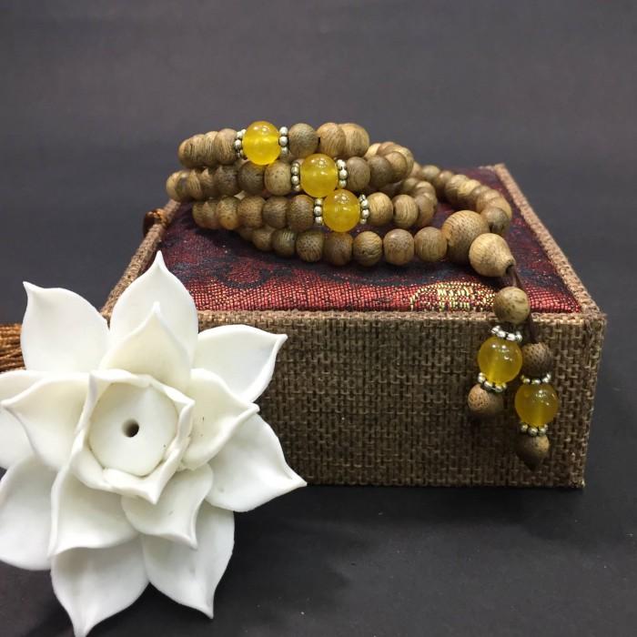 Vòng tay - chuỗi trầm hương 12 năm, cho tay nữ (size tay 14~15.5 cm), dạng hạt tròn: 108 hạt x 6.5 mm, phối đá vàng - 2