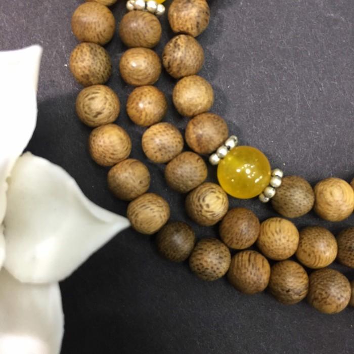 Vòng tay - chuỗi trầm hương 12 năm, cho tay nữ (size tay 14~15.5 cm), dạng hạt tròn: 108 hạt x 6.5 mm, phối đá vàng - 4