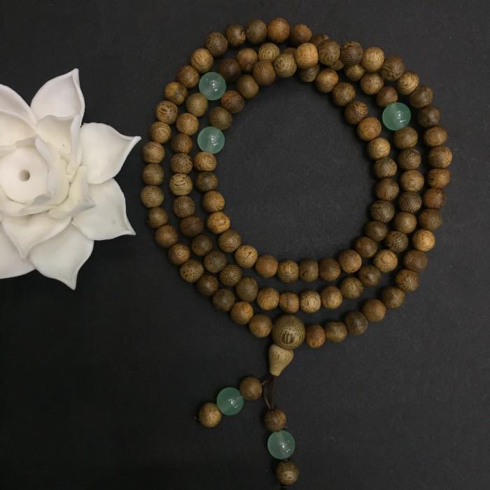 Vòng tay - chuỗi trầm hương 15 năm, cho size tay nữ (size tay 14~15,5cm), dạng hạt tròn: 108 hạt x 6.5 mm, phối đá xanh - 3