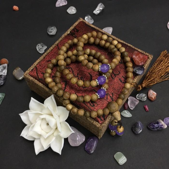 Vòng tay - chuỗi trầm hương 15 năm, cho size tay nữ (size tay 14~15.5 cm), dạng hạt tròn: 108 hạt x 6.5 mm, phối charm đá tím - 2
