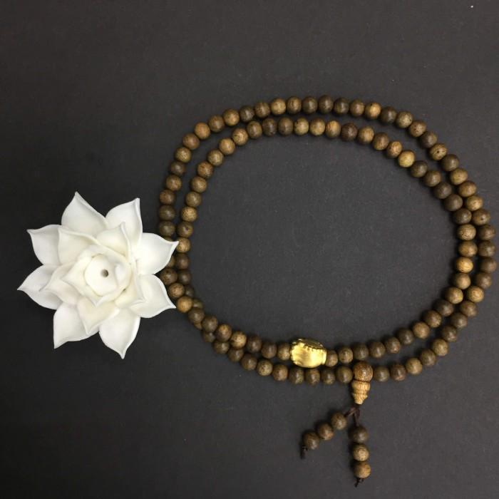 Vòng chuỗi trầm hương - chuỗi trầm hương 25 năm, cho tay nữ, dạng hạt tròn: 108 x 6 mm, charm bàn tay Phật nguyện cầu (size tay 14~15.5 cm) - 1