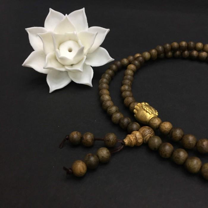 Vòng chuỗi trầm hương - chuỗi trầm hương 25 năm, cho tay nữ, dạng hạt tròn: 108 x 6 mm, charm bàn tay Phật nguyện cầu (size tay 14~15.5 cm) - 2