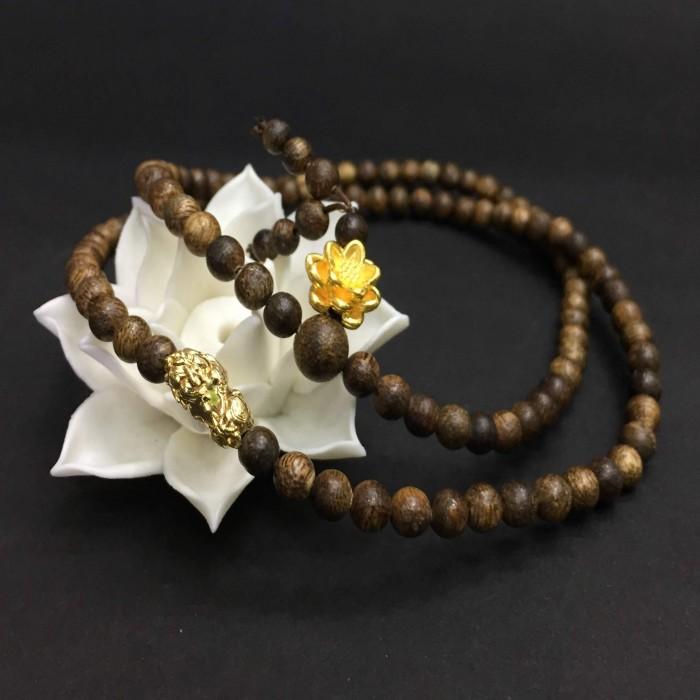 Vòng chuỗi trầm hương - Chuỗi trầm hương 35 năm, cho nữ (14 ~ 15.5 cm), dạng hạt tròn : 108 hạt x 5.8 mm, charm hoa sen + tỳ hưu vàng 24k - 2