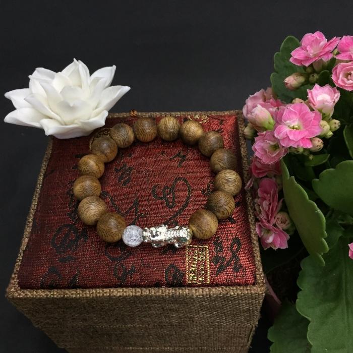 Vòng trầm 30 năm, cho nam (size tay 16cm~17,5 cm), Hạt tròn: 12 mm x 14 hạt, charm Tỳ hưu ( Mạ bạc)