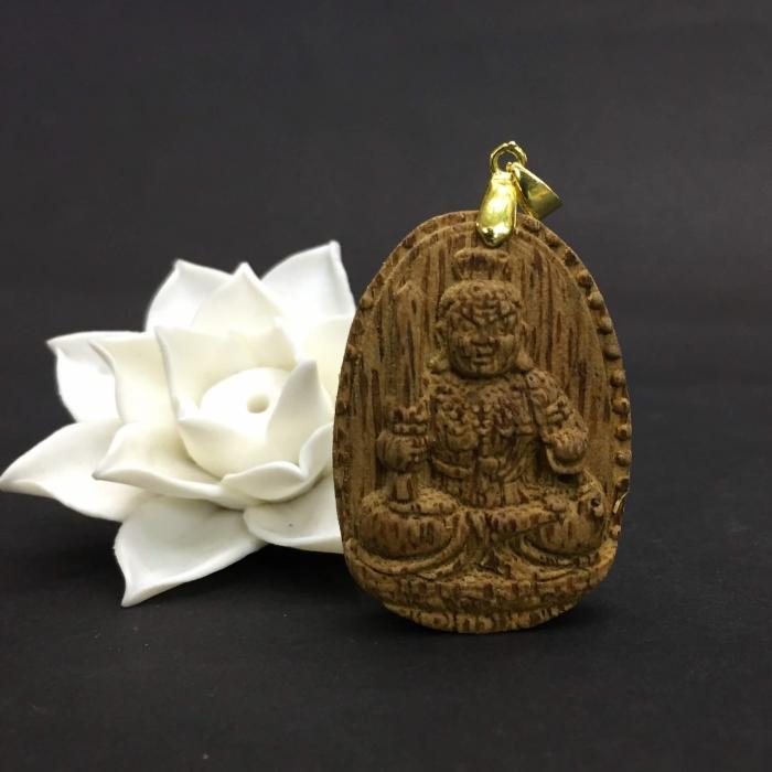 Phật Bất Động Minh Vương Bồ Tát làm từ trầm 30 năm (Mặt lớn) - Đeo cổ