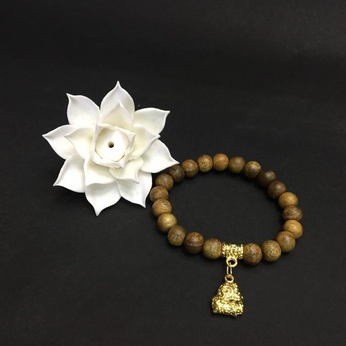 Vòng trầm hương 15 năm, cho tay nữ (từ 14~ 15.5 cm), dạng hạt tròn: 21 hạt x 8mm, charm Bạc Dương (mạ vàng)