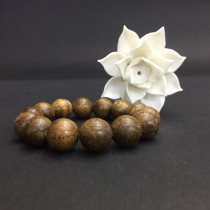 Vòng trầm hương 35 năm, cho nam tay >17,5 cm (Big size), dạng hạt tròn: 14 hạt x 16 mm