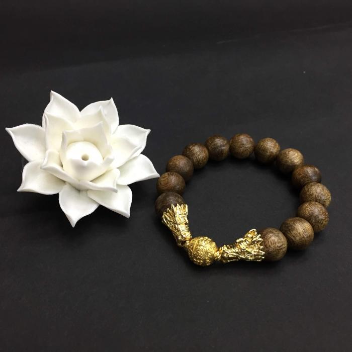 vòng trầm hương 35 năm,cho nam size tay 17.5 cm,hạt tròn: 13 hạt 12.5 mm,charm Rồng tranh ngọc