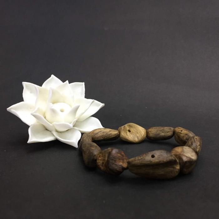 Vòng Trầm Rừng, cho nữ (15.5 cm), dạng hạt tự nhiên: 10 hạt