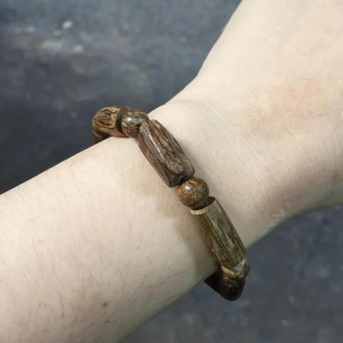 Vòng tay - Trầm rừng banh đỏ,cho nữ size tay 15.5 cm,8 cặp hạt tự nhiên - 7