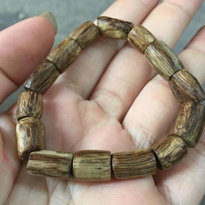 Vòng tay - Trầm rừng banh đỏ,nữ,14 hạt tự nhiên,size tay 15 cm - 7