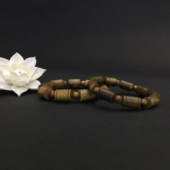 Vòng tay - vòng cặp trầm hương 35 năm,cho nam size tay 17.5 cm (hạt 11 mm) và nữ size tay 15.5 cm (hạt 9 mm),hạt trúc - 1