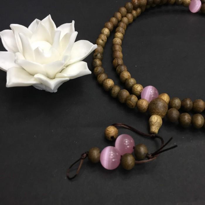 Vòng tay - Vòng trầm hương 12 năm, cho nữ (size tay 14~15.5 cm), dạng hạt tròn: 108 hạt x 6.5 mm , phối charm đá hồng - 1