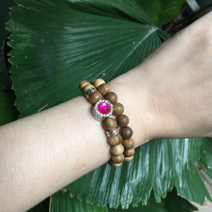 Vòng tay - Vòng đôi trầm hương 15 năm, cho nữ mệnh Hỏa (size tay 14~15.5 cm), dạng hạt tròn: 37 hạt x 8 mm , phối charm trụ đá hồng - 3