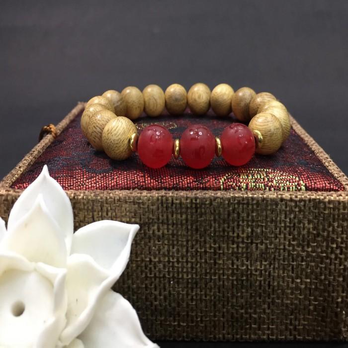 Vòng tay - vòng trầm hương 12 năm, cho nữ (size tay 14~15.5 cm), dạng hạt tròn: 15 hạt x 10 mm, phối charm đá đỏ - 2