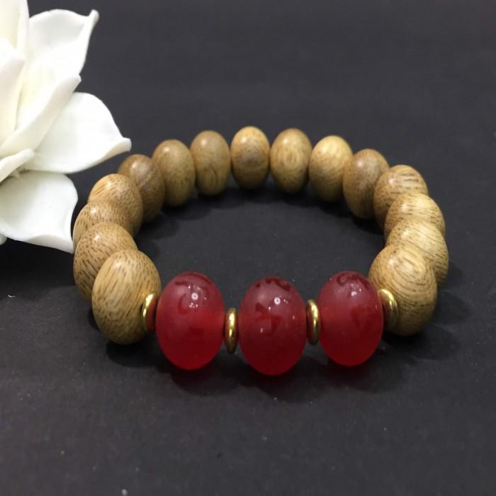 Vòng tay - vòng trầm hương 12 năm, cho nữ (size tay 14~15.5 cm), dạng hạt tròn: 15 hạt x 10 mm, phối charm đá đỏ - 3
