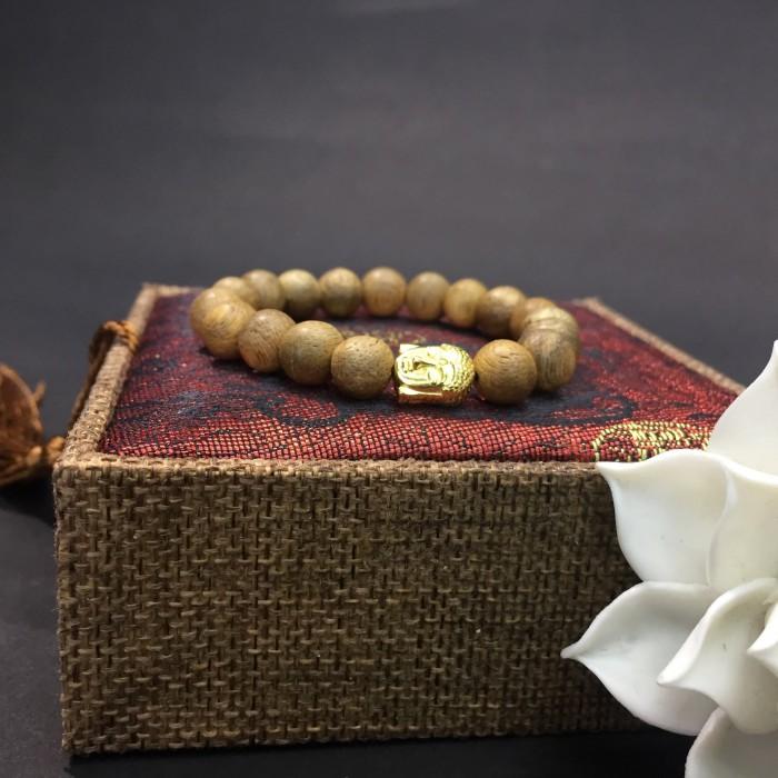 Vòng tay - vòng trầm hương 12 năm, cho nữ( size tay 14~ 15.5 cm),dạng hạt tròn: 18 hạt x 8 mm, charm Mặt Phật Vàng (bạc 925) - 1