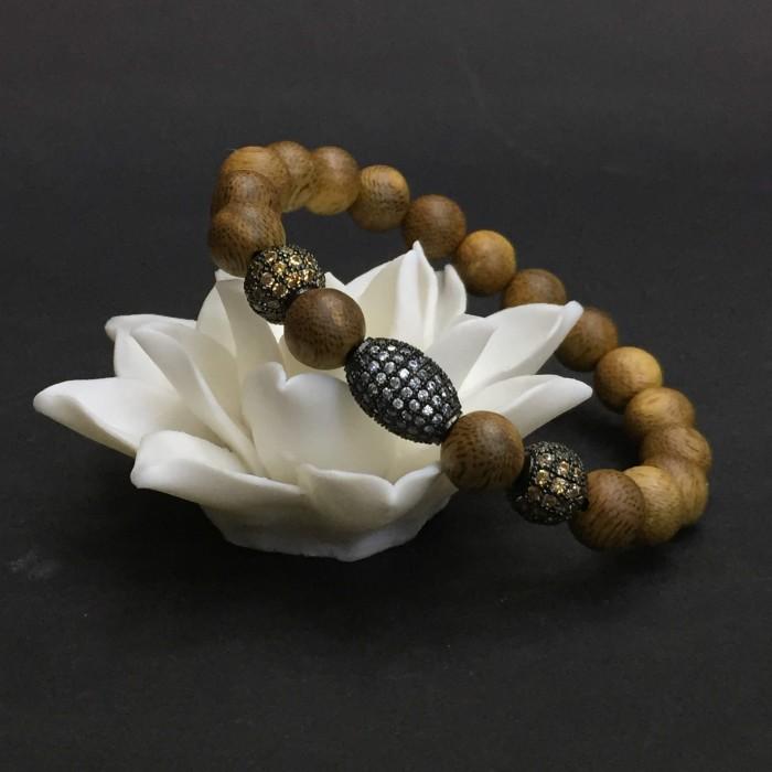 Vòng tay - vòng trầm hương 12 năm, cho size tay nữ (size tay 14~15.5 cm),dạng hạt tròn: 18 hạt x 8 mm, charm hạt châu - 4