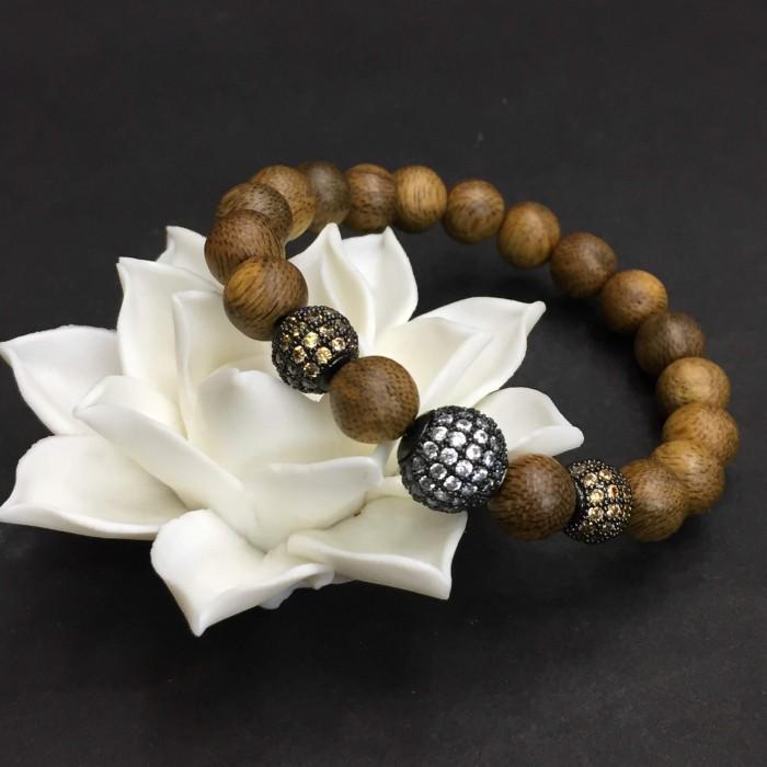 Vòng tay - vòng trầm hương 12 năm, cho size tay nữ (size tay 14~15.5 cm),dạng hạt tròn: 18 hạt x 8 mm, charm hạt châu - 6