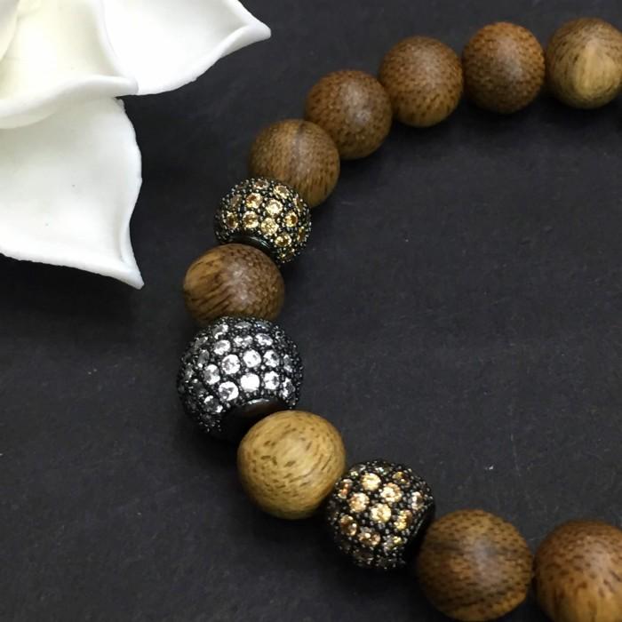 Vòng tay - vòng trầm hương 12 năm, cho size tay nữ (size tay 14~15.5 cm),dạng hạt tròn: 18 hạt x 8 mm, charm hạt châu - 7