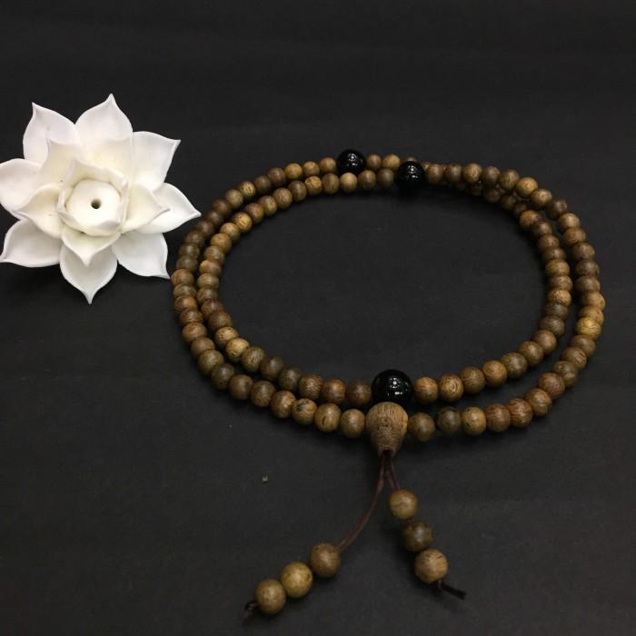 Vòng tay - vòng trầm hương 12 năm, cho nữ (size tay ~15.5 cm), dạng hạt tròn: 108 hạt x 6.5 mm, charm đá đen - 1