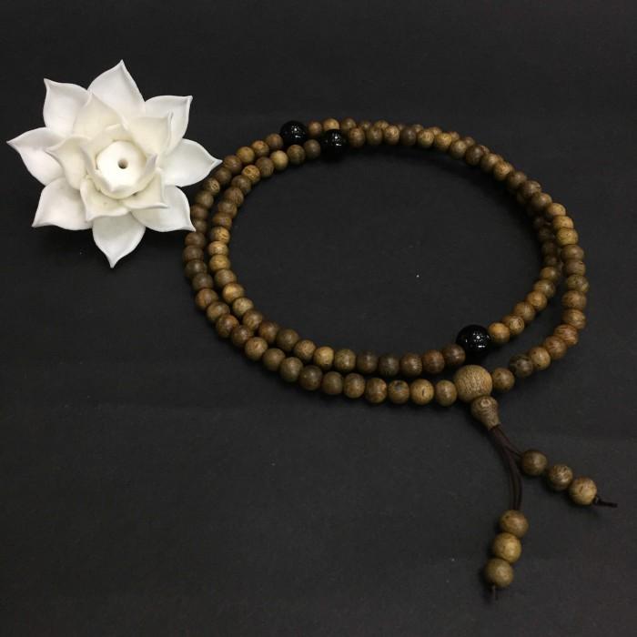 Vòng tay - vòng trầm hương 12 năm, cho nữ (size tay ~15.5 cm), dạng hạt tròn: 108 hạt x 6.5 mm, charm đá đen - 2