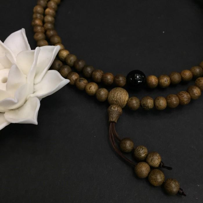 Vòng tay - vòng trầm hương 12 năm, cho nữ (size tay ~15.5 cm), dạng hạt tròn: 108 hạt x 6.5 mm, charm đá đen - 3