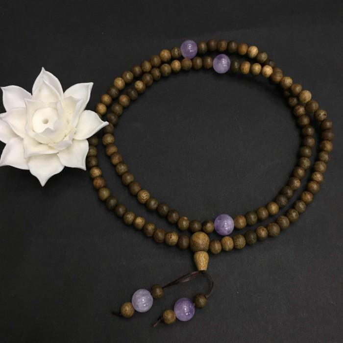 Vòng tay - vòng trầm hương 12 năm, cho size tay nữ (size tay ~15.5 cm), dạng hạt tròn: 108 hạt x 6.5 mm, charm đá Tím - 2