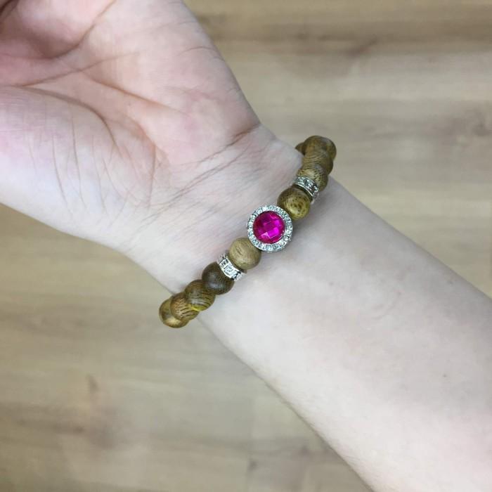 Vòng tay - Vòng trầm hương 15 năm, cho nữ mệnh Hỏa (size tay 14~15.5 cm), dạng hạt tròn: 21 hạt x 8 mm , phối charm trụ đá tím - 2