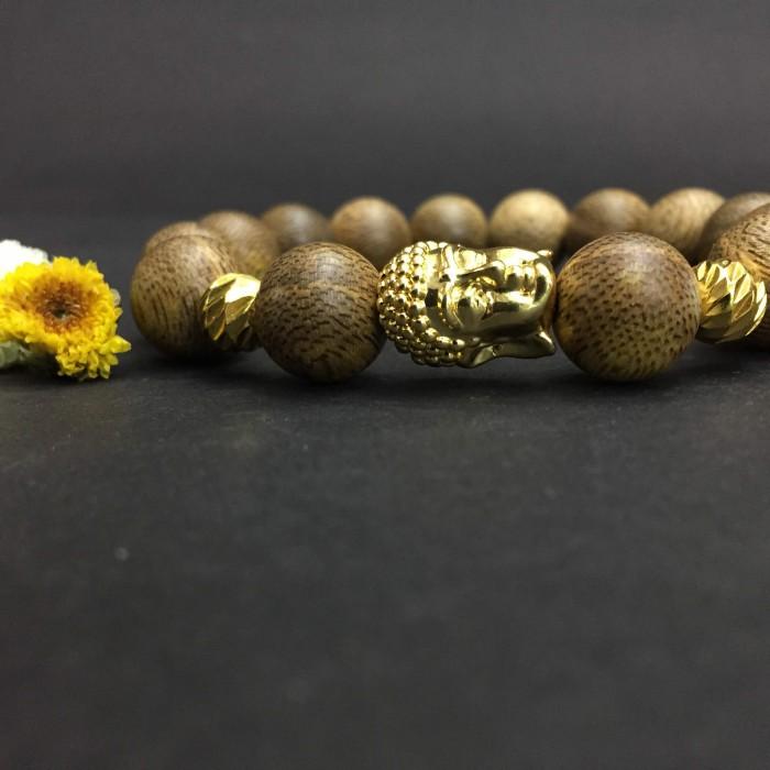 Vòng tay - Vòng trầm hương 15 năm, cho nam ( size tay 16 cm ~17.5 cm), dạng hạt tròn: 14 hạt x 14 mm, charm mặt Phật (mạ vàng) - 2