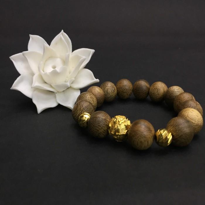 Vòng tay - vòng trầm hương 15 năm, cho nam ( size tay 16 cm ~17.5 cm), dạng hạt tròn: 14 hạt x 14 mm, charm Omani (mạ vàng) - 2