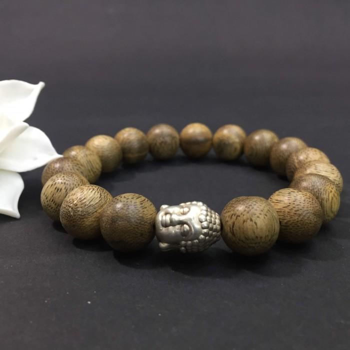 Vòng tay - vòng trầm hương 15 năm,cho size tay nam ( size tay 16 cm ~17.5 cm), dạng hạt tròn: 17 hạt x 12 mm, charm mặt Phật (bạc 925) - 3