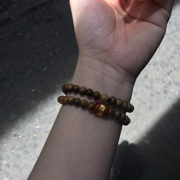 Vòng tay - vòng trầm hương 15 năm, cho nữ (size tay 14~15.5 cm), dạng hạt tròn: 54 hạt x 6 mm, charm đá Lu Thống - 5