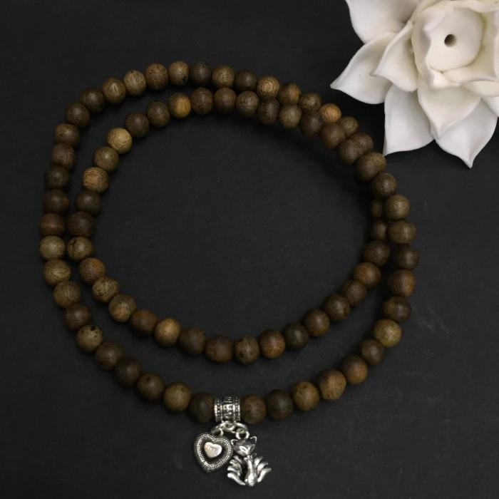 Vòng chuỗi trầm hương - vòng trầm hương 15 năm, cho size tay nữ (size tay 14~15.5 cm), dạng hạt tròn: 81 hạt x 6 mm, charm Hồ Ly 9 Đuôi ( Bạc 925) - 1
