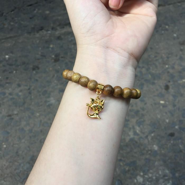 Vòng tay - Vòng trầm hương 15 năm, cho tay nữ (từ 14~ 15.5 cm), dạng hạt tròn: 21 hạt x 8mm, charm Mèo (mạ bạc) - 5