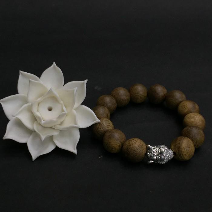 Vòng tay - Vòng trầm hương 25 năm, cho nam ( size tay 16 cm ~17.5 cm), dạng hạt tròn: 13 hạt x 14 mm, charm mặt Phật (Bạc 925) - 1