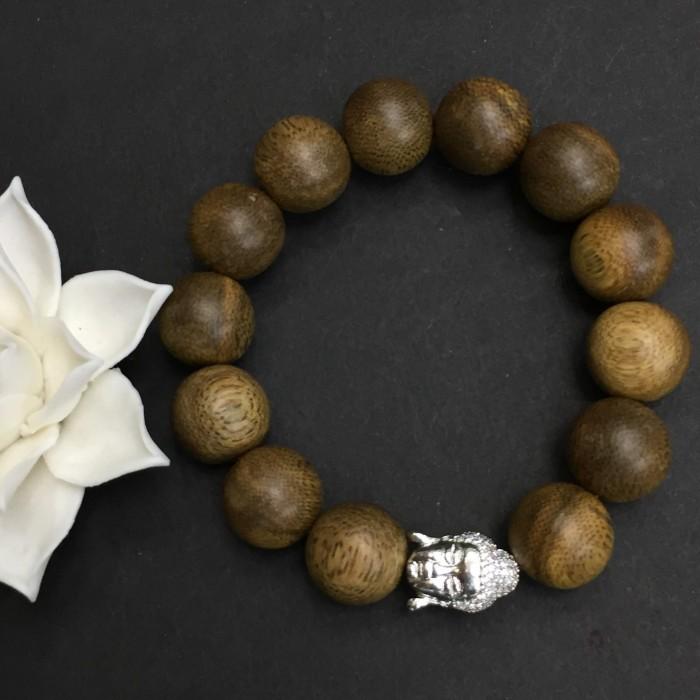 Vòng tay - Vòng trầm hương 25 năm, cho nam ( size tay 16 cm ~17.5 cm), dạng hạt tròn: 13 hạt x 14 mm, charm mặt Phật (Bạc 925) - 3