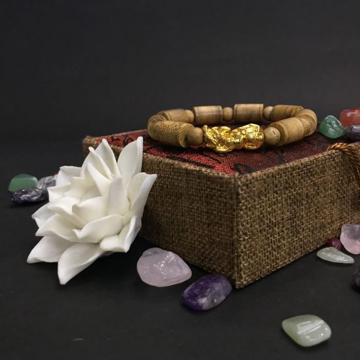 Vòng tay - Vòng trầm hương 25 năm, cho nam ( size tay 16 cm ~17.5 cm), dạng hạt trúc: 8 cặp x 11 mm, charm tỳ hưu (mạ vàng) - 1