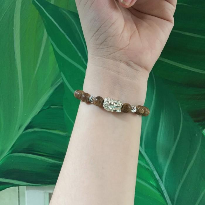 Vòng tay - Vòng trầm hương 25 năm cho nữ size tay 14.7 cm, 18 hạt x 8mm, charm mặt Phật (mạ bạc) - 1