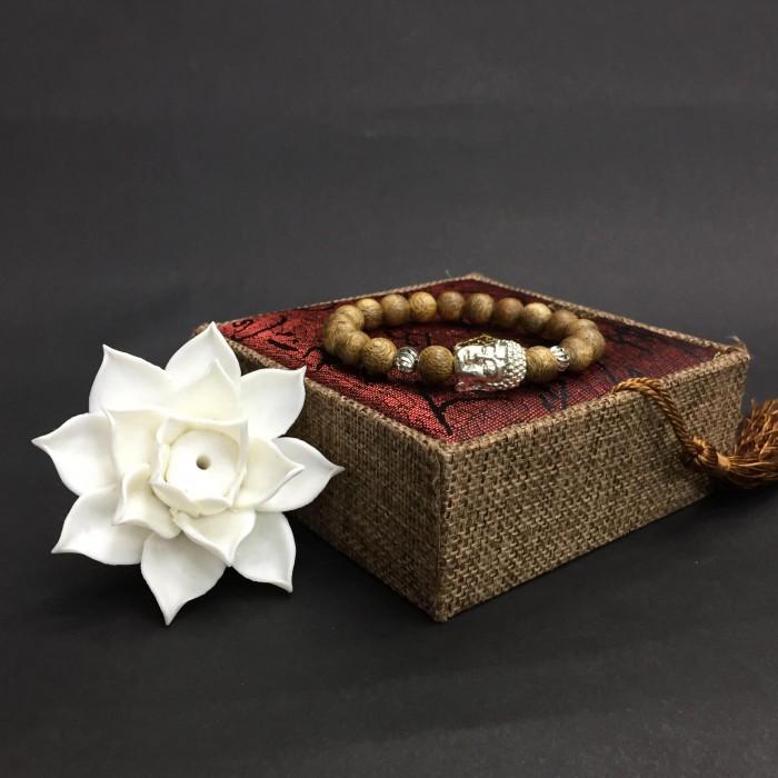 Vòng tay - Vòng trầm hương 25 năm cho nữ size tay 14.7 cm, 18 hạt x 8mm, charm mặt Phật (mạ bạc) - 3