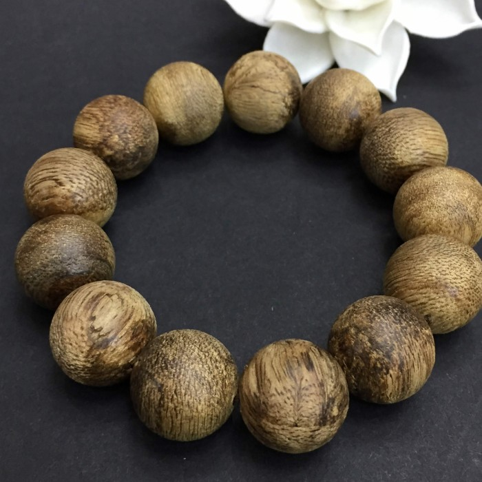 Vòng tay - Vòng trầm rừng banh dầu, cho tay nam, hạt tròn: 13 hạt x 16 mm - 3