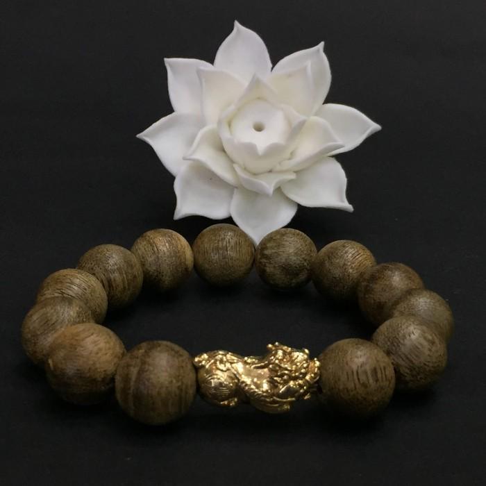 Vòng tay - Vòng Trầm Rừng Tốc Banh Xanh, cho tay nam (17.5 cm ~ 18 cm),dạng hạt tròn: 13 hạt x 14 mm, charm Tỳ hưu vàng 24k - 4