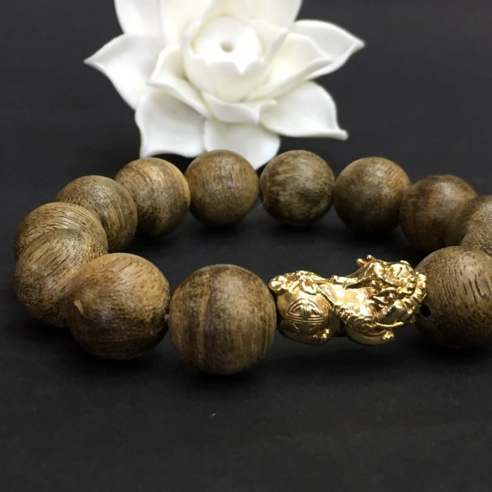 Vòng tay - Vòng Trầm Rừng Tốc Banh Xanh, cho tay nam (17.5 cm ~ 18 cm),dạng hạt tròn: 13 hạt x 14 mm, charm Tỳ hưu vàng 24k - 5